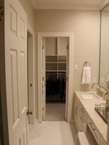 0a91dd5f07a4bc7d_2140-w500-h666-b0-p0-modern-closet