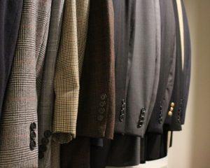 25312e6e07a4ba04_3481-w500-h400-b0-p0-modern-closet