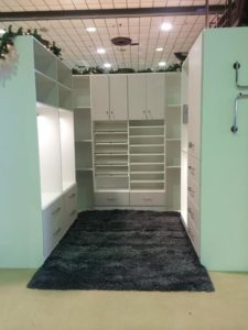 5911fff70673286e_1729-w500-h666-b0-p0-traditional-closet