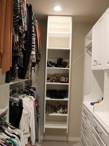 6181853407a4ba49_3481-w500-h666-b0-p0-modern-closet