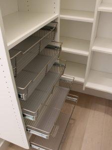 94b1a56507bfbb92_8927-w500-h666-b0-p0-contemporary-closet