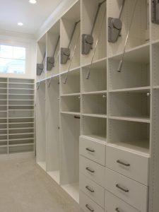 ba8154d407bfb53c_8918-w500-h666-b0-p0-contemporary-closet