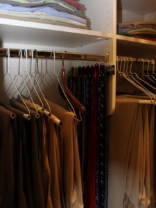 2e6183c907a4ad59_2034-w500-h666-b0-p0-modern-closet