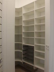a2a1b94107bfb9e3_8968-w500-h666-b0-p0-contemporary-closet