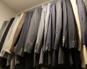 b4d1a5b907a4b61b_2050-w500-h400-b0-p0-modern-closet